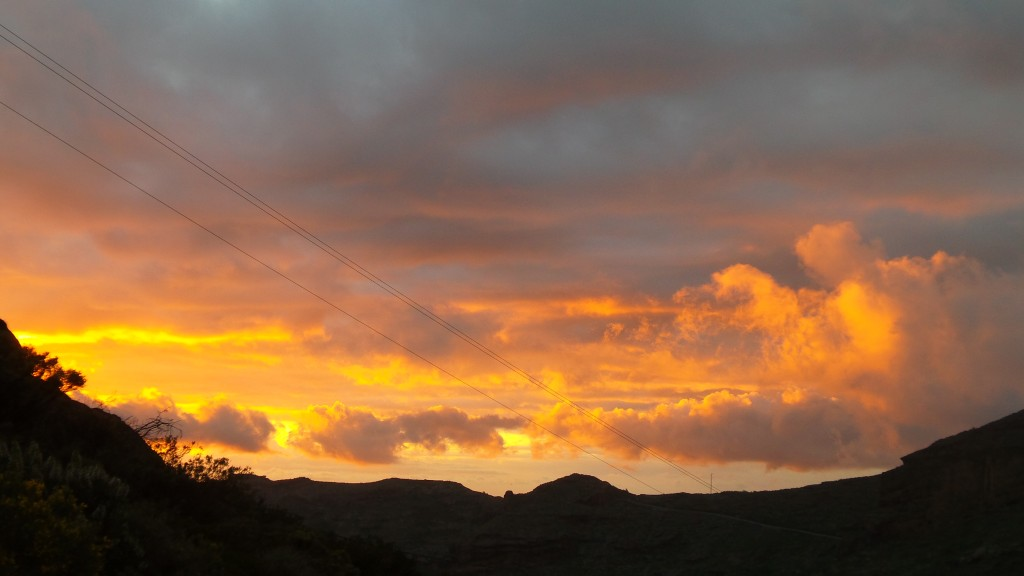 10 zachód słońca nad górami w parku pilancones